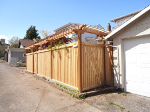 Full Panel Cedar Fence with Traditional Trellis