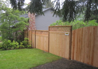 Lattice Top Fence with Double Gate