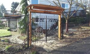 Iron Double Gate Medallion
