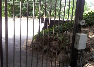 Ondimental Iron Operators for Estate Gate